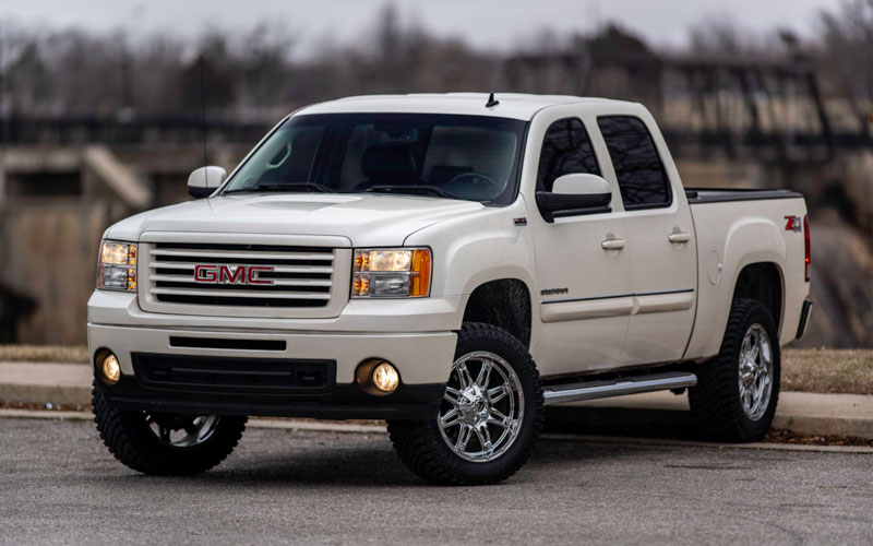 Test Drive with Integrity: 2012 GMC Sierra Z71 with Roll N Lock Cover