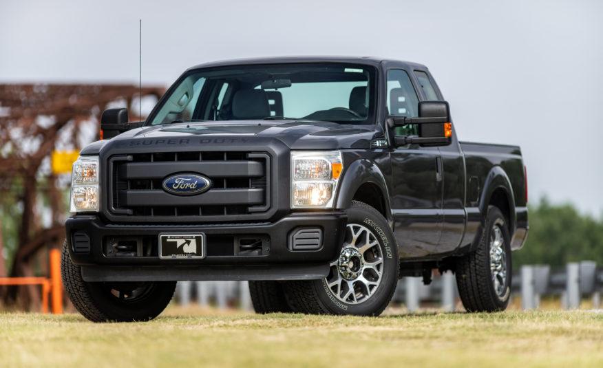 2015 Ford F-250 XL **6.2L Boss V8**- Stock # 55171